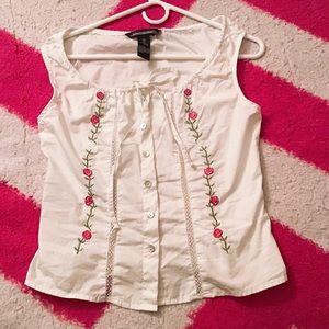 White button up blouse, sleeveless